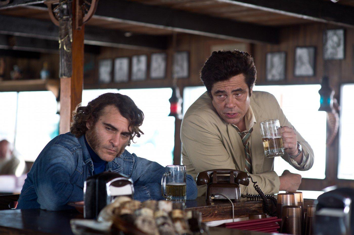 Vizio di forma - Joaquin Phoenix e Benicio Del Toro
