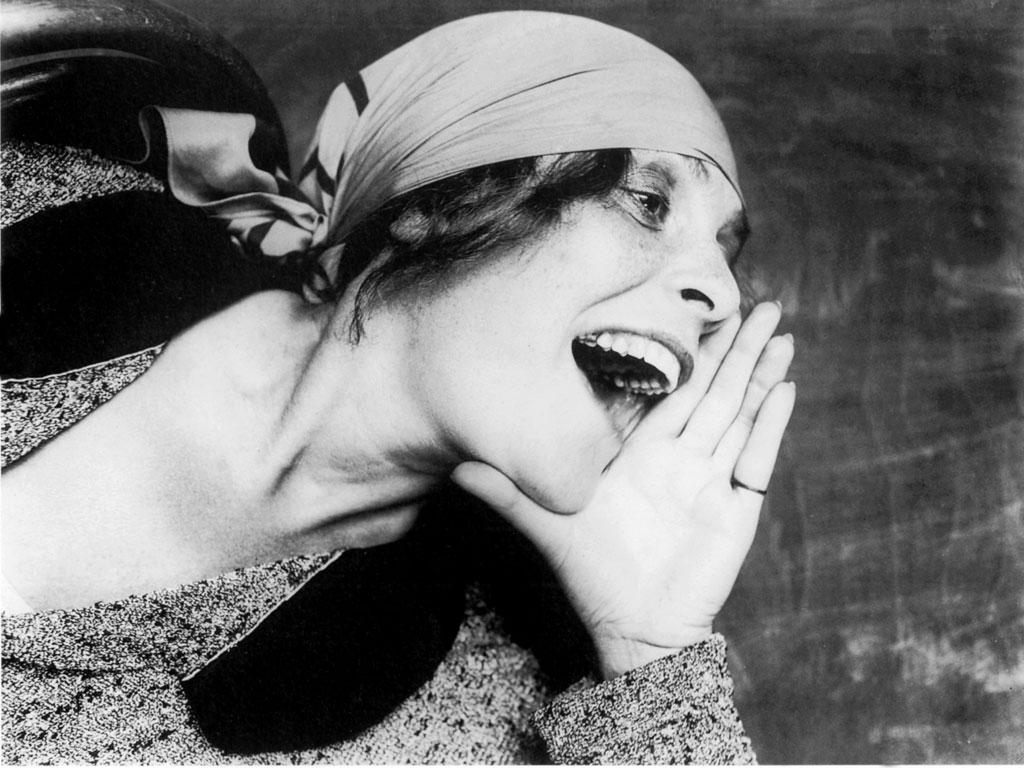 Lili Brik in una foto del 1924 diventata simbolo della rivoluzione