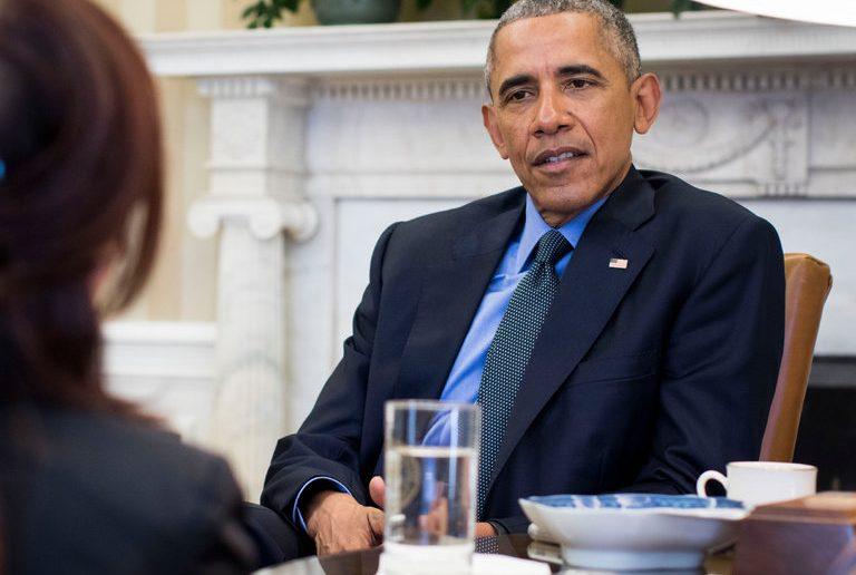 Barak Obama durante l'intervista di Michiko Kakutani